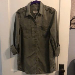 Express army green distressed button down